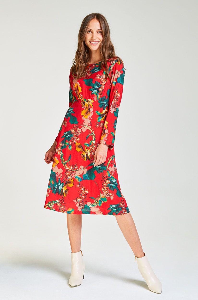 Klassisches Rotes Kleid Mit Muster | Ausgehkleider, Rotes