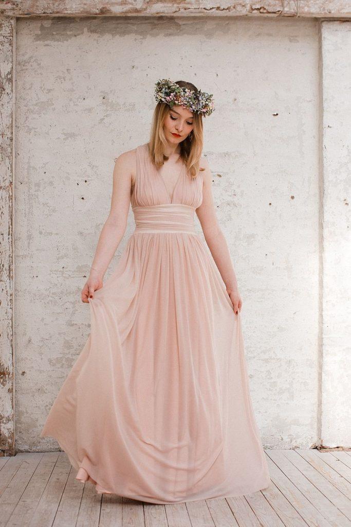 Kleider Für Die Trauzeugin Und Braut: Die Sommerkollektion ...