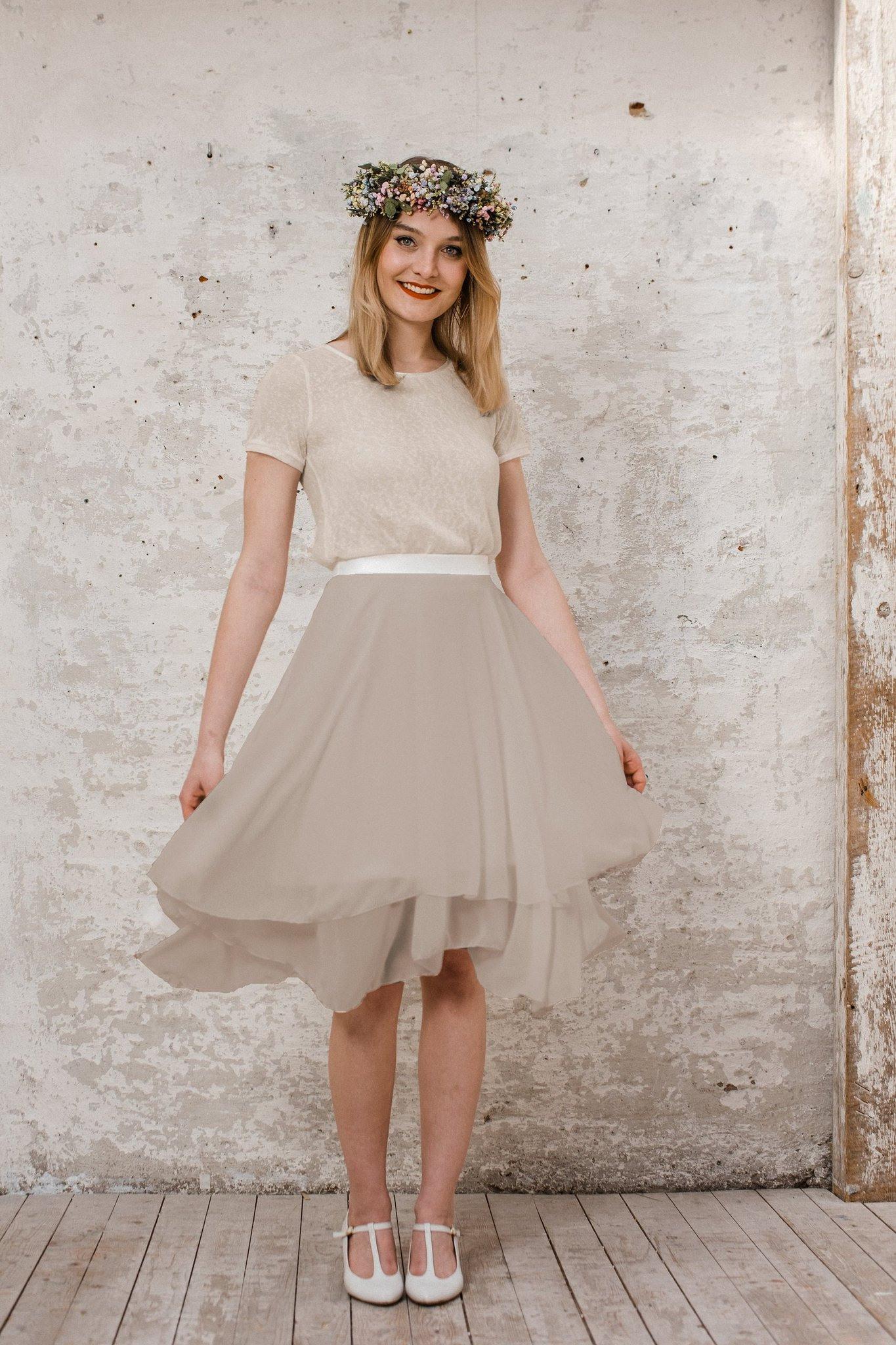 Kleider Für Die Trauzeugin Und Braut: Die Sommerkollektion