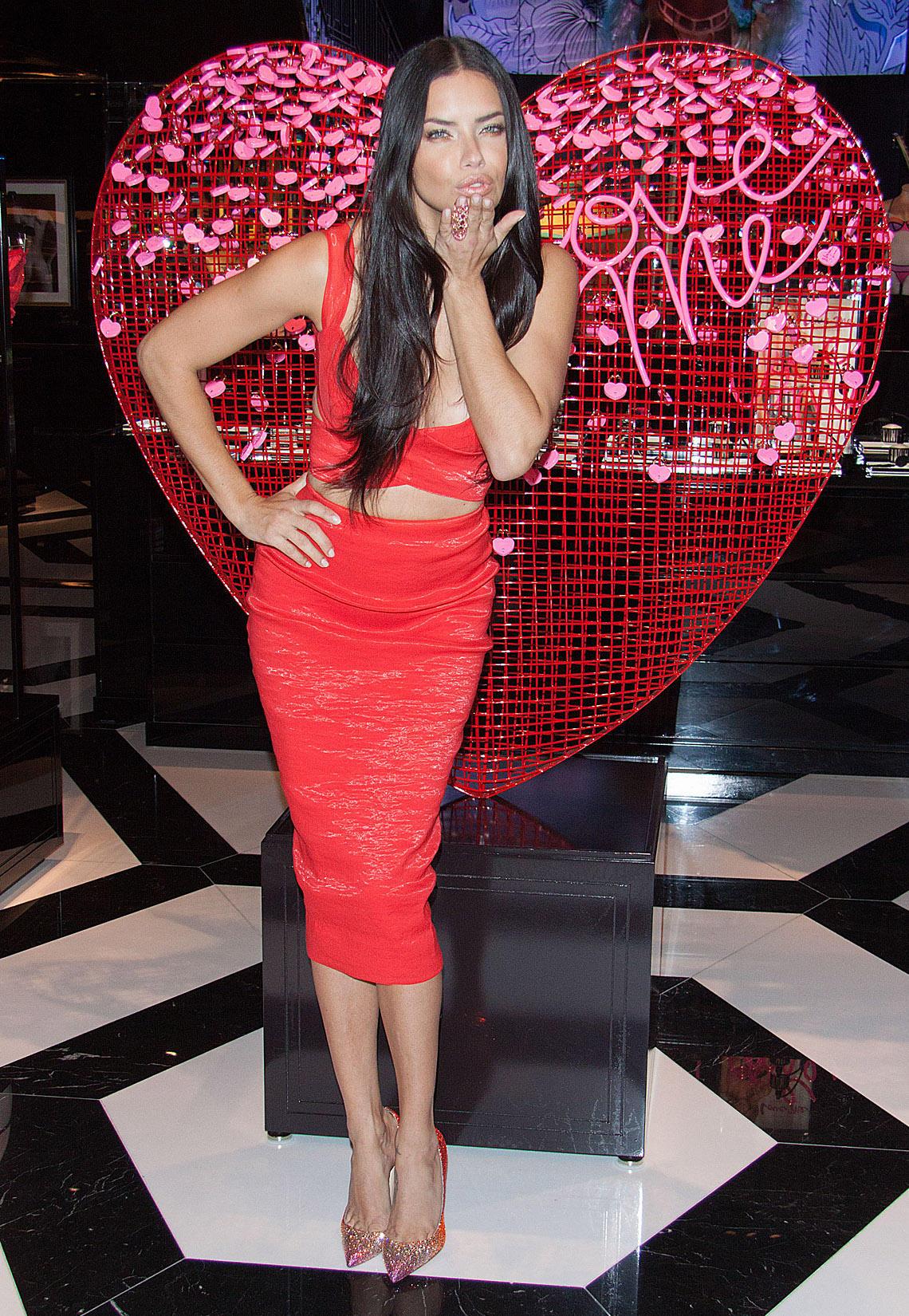 Kleider: Rot Wie Die Liebe | Gala.de