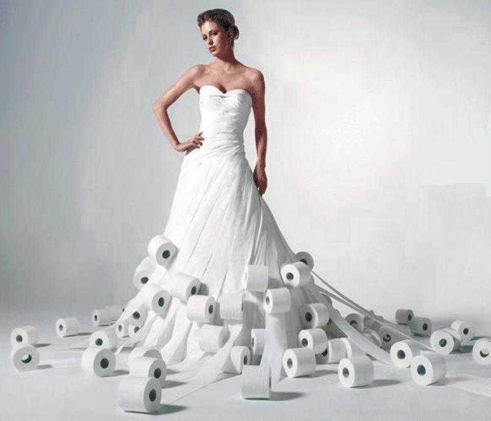 Kurios: Das Einweg-Hochzeitskleid - In Love