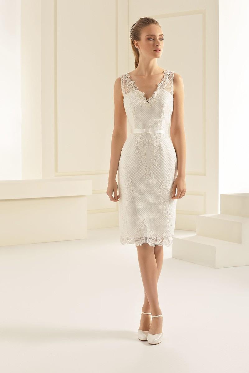 Kurzes Hochzeitskleid Evita Etuikleid Ivory   Nazzals