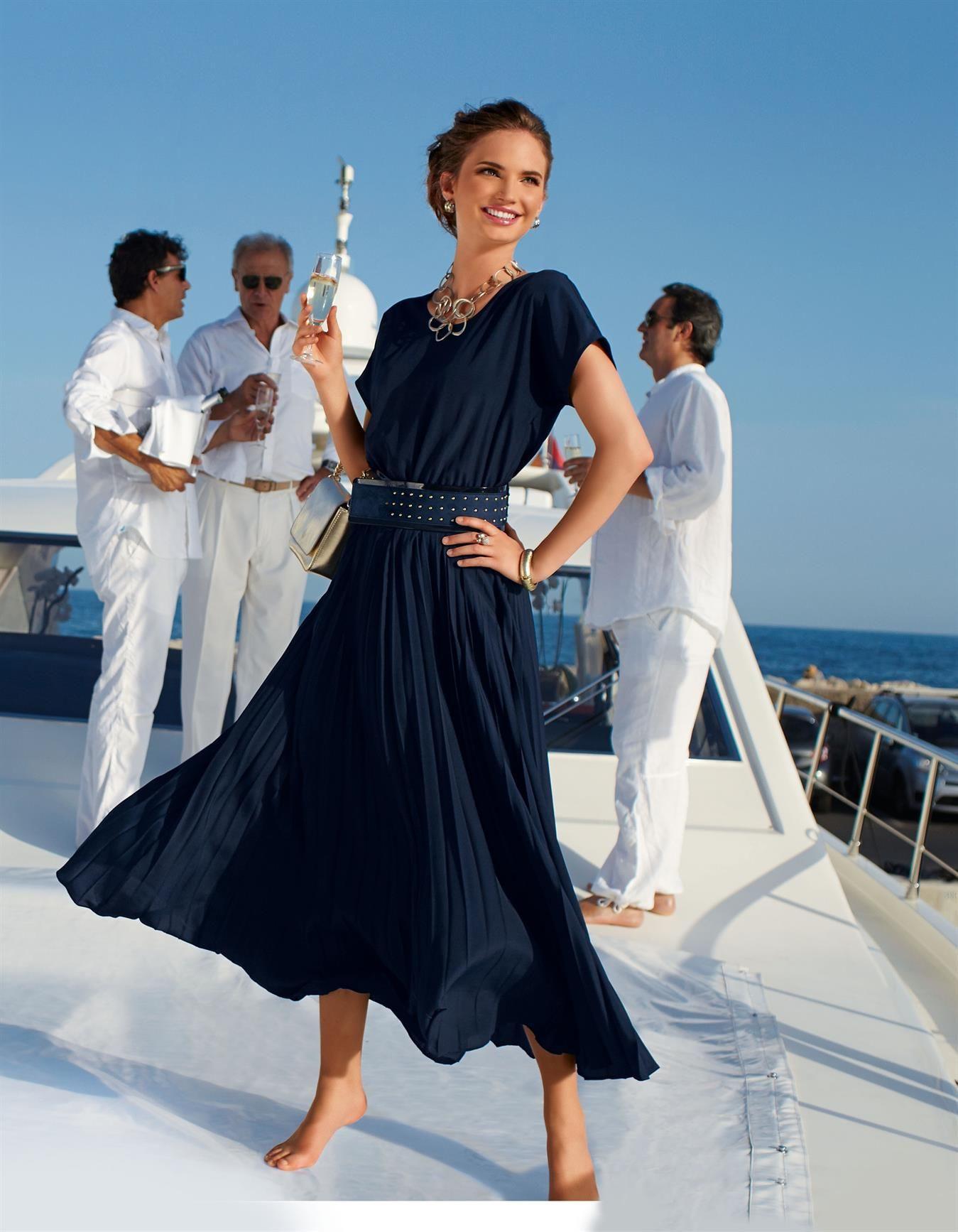 Langes Kleid Mit Plissee In Der Farbe Marine - Blau - Im