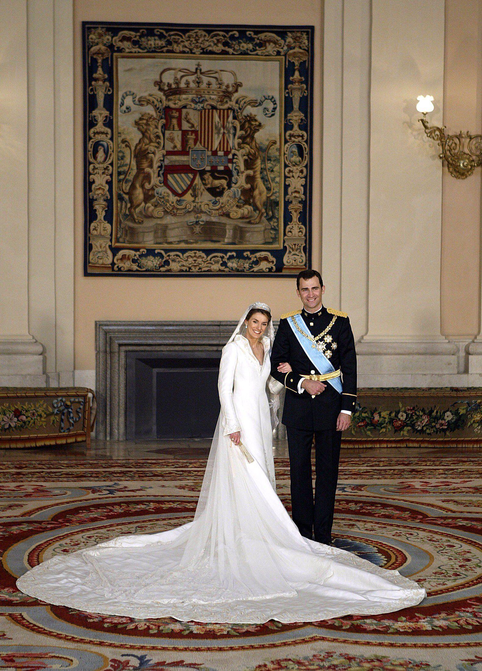 Letizia Von Spanien, 2004 | Königliche Hochzeitskleider