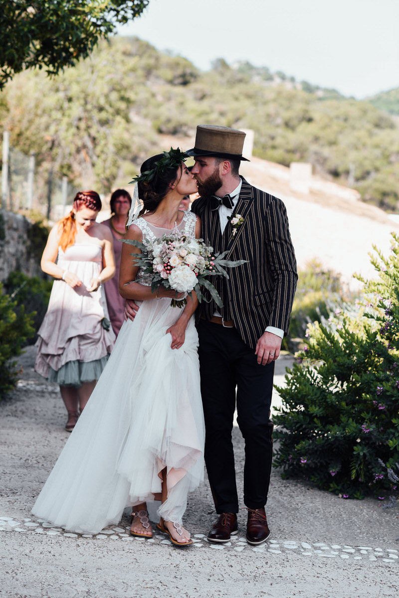 Marry Differently: Boho, Vintage, Hippie, Boho-Chic