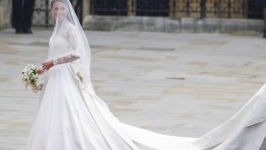 Meghan Markle: Soll Ihr Hochzeitskleid Wirklich 400.00 Euro