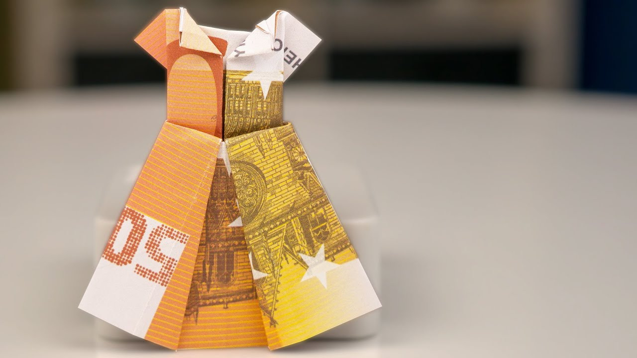 Money Gift Idea: Wedding Dress Out Of Euro Banknotes