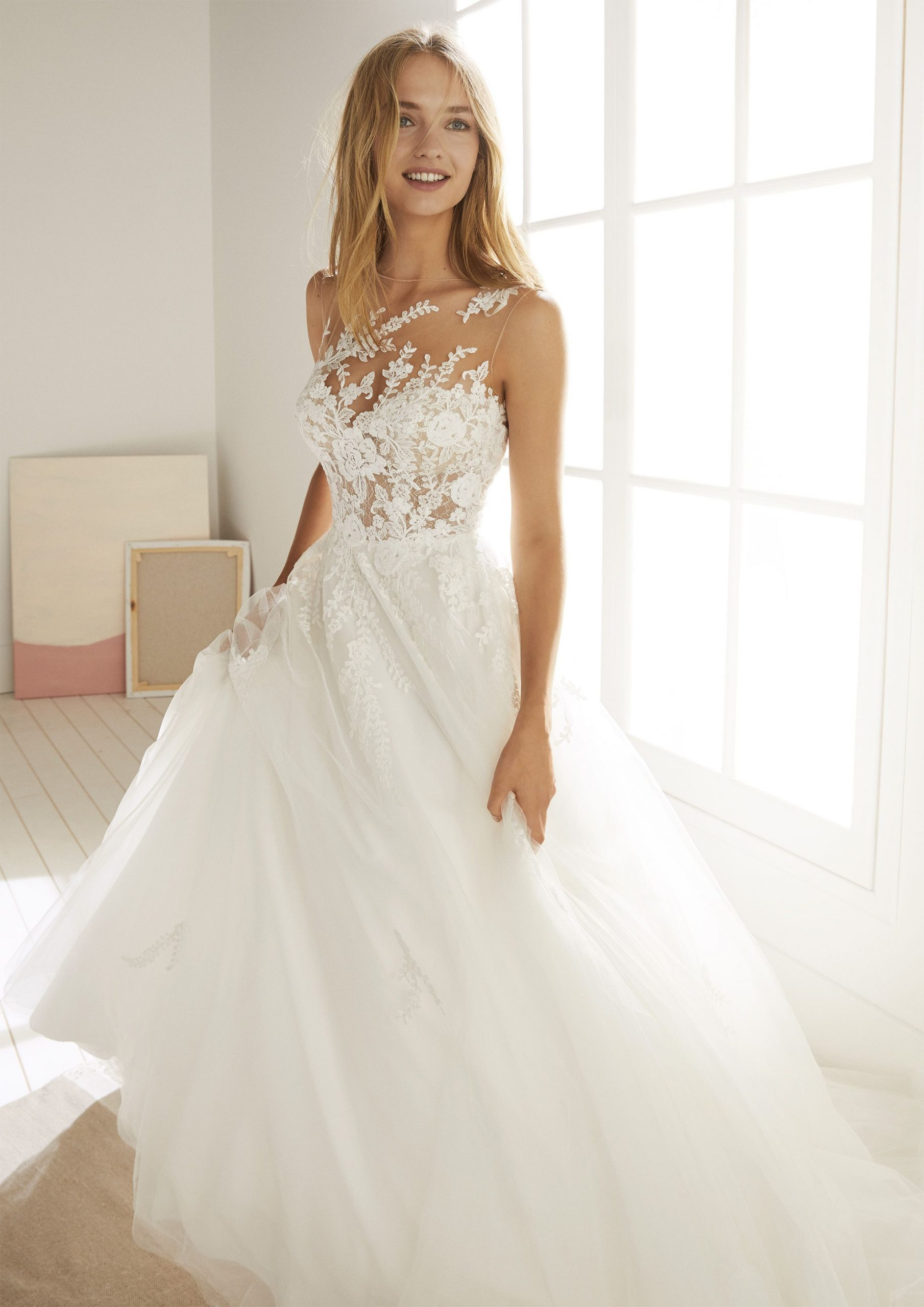 Oropesa – White Onepronovias Fashion Group - Presented