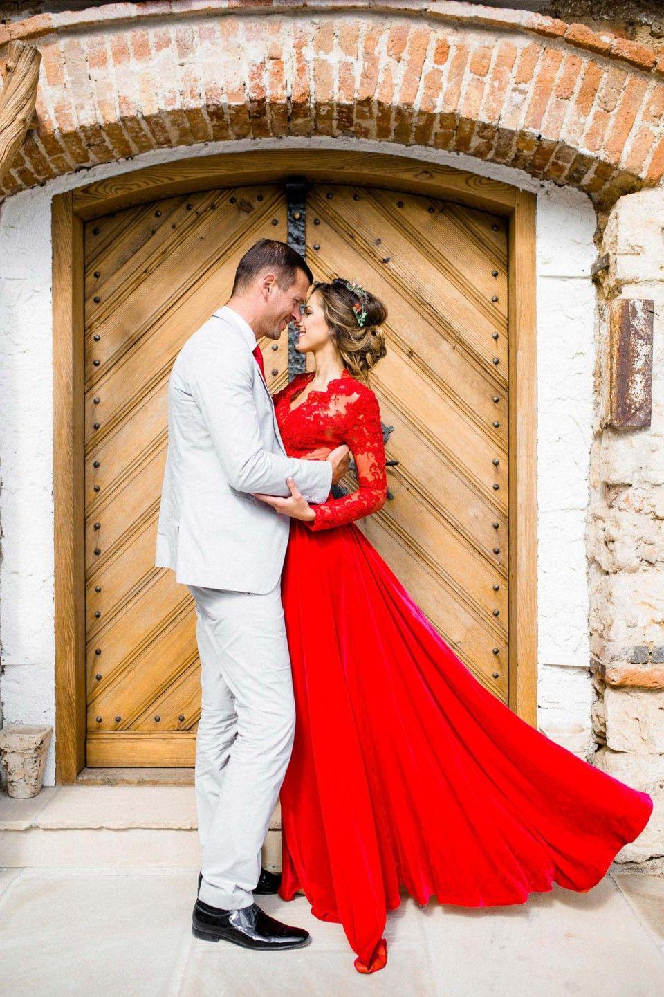 Österreichische Adventsromantik In Rot - Hochzeitswahn - Sei