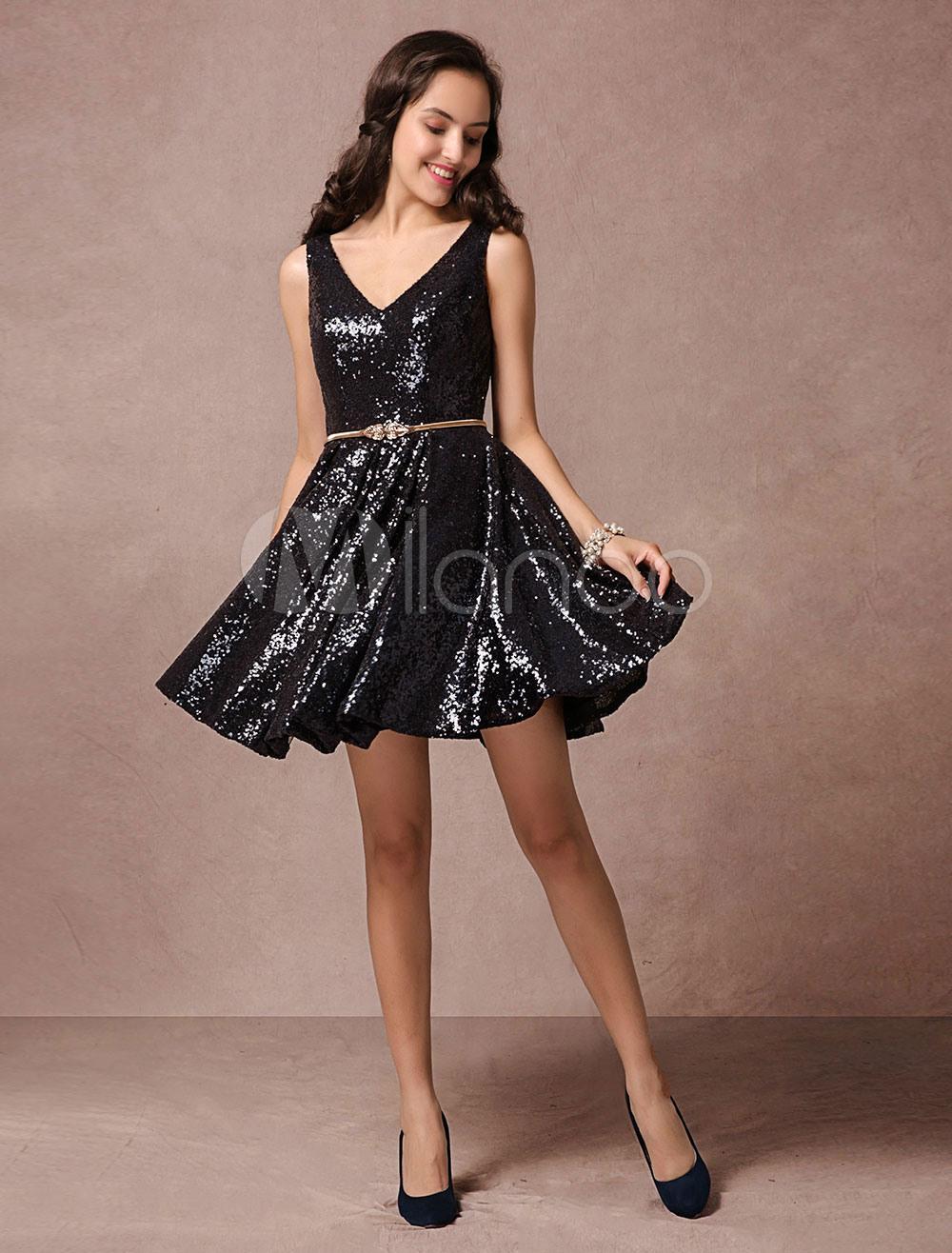 Pailletten Sie Cocktailkleid Schwarz V-Ausschnitt Rückenfreie Kurze Prom  Kleid A-Linie Kleine Schwarzes Kleid Mit Goldenen Gürtel