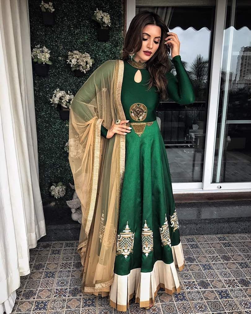Pin Von Harneet Auf Suits | Indische Kleidung Frauen