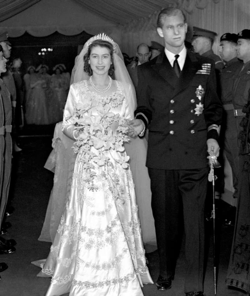 Queen Elizabeth Ii. & Prinz Philip Feiern Eiserne Hochzeit