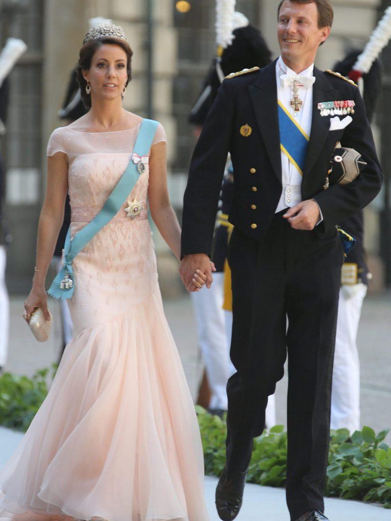 Rotes Kleid Auf Hochzeit Schweden | Lieschens