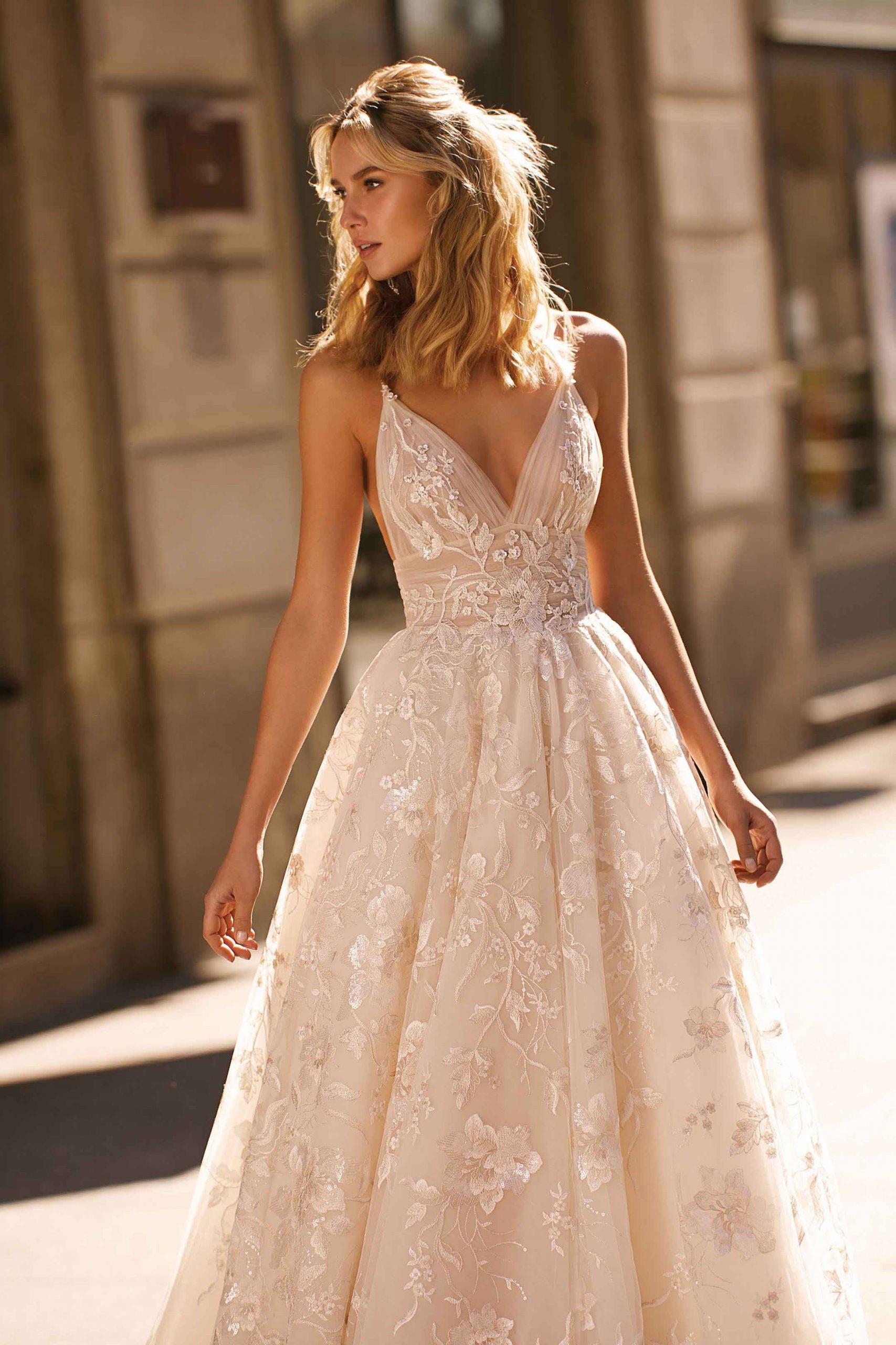 S/s 2020 | Berta In 2020 | Kleider Hochzeit, Kleid Hochzeit