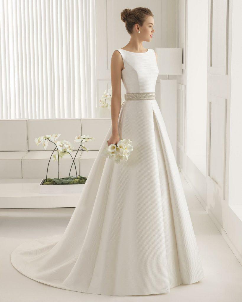 Schlicht Einfach, Aber Dennoch Ein Elegantes Brautkleid - Abendkleid