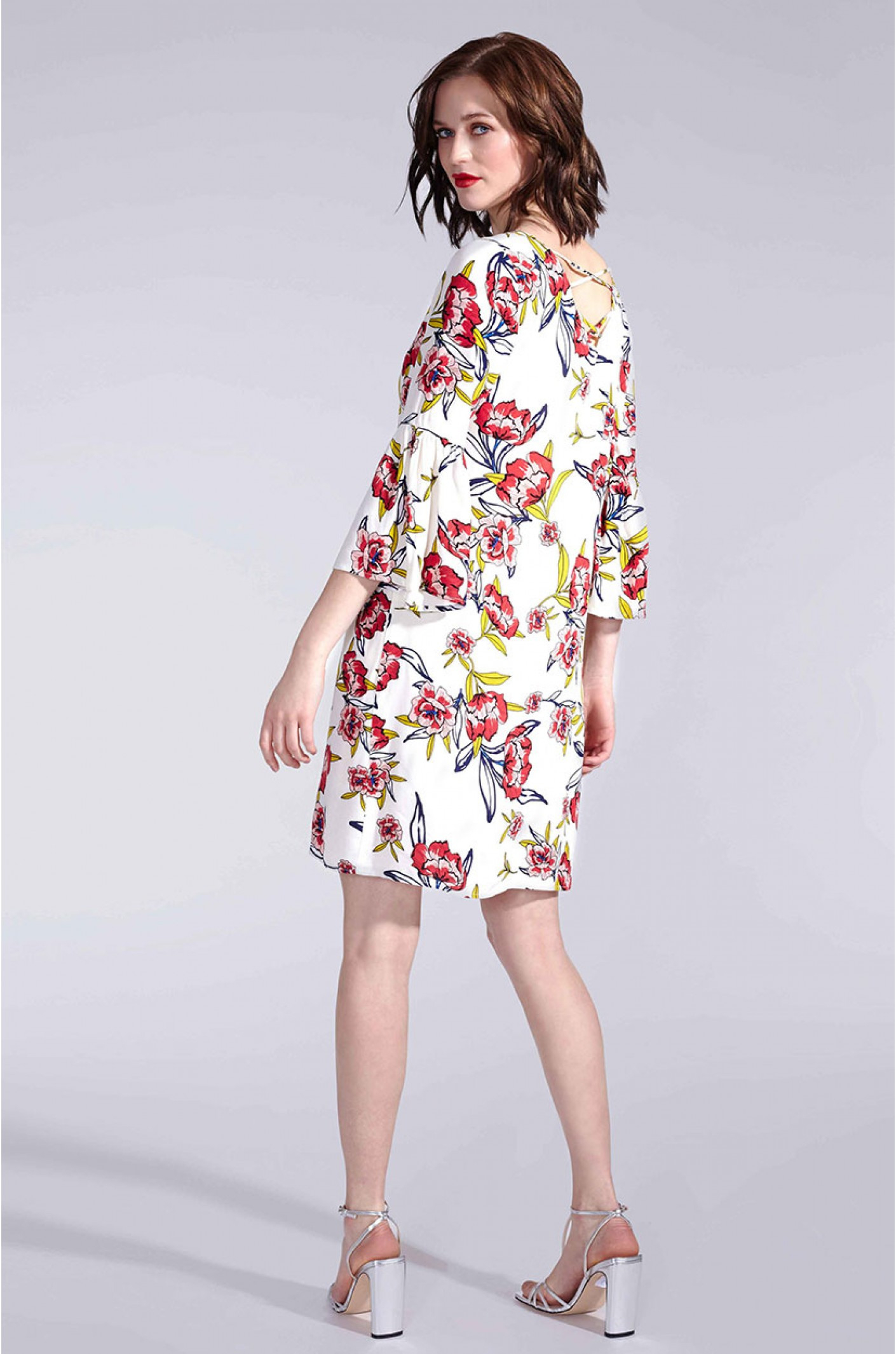 Sommerkleid Im Tunika-Stil Mit Blumen