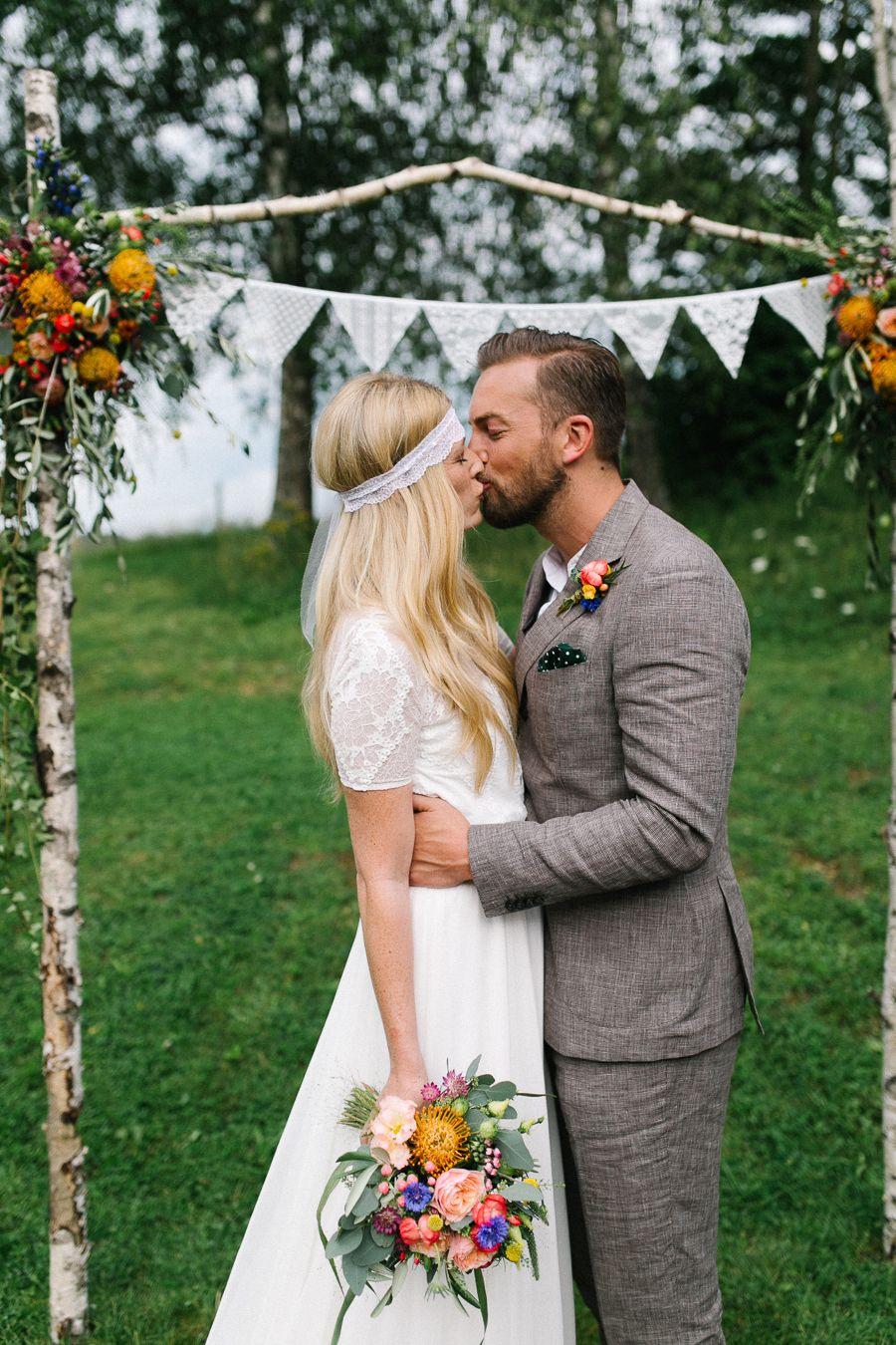Sommerliche Boho Hochzeit | Boho Hochzeit, Vintage