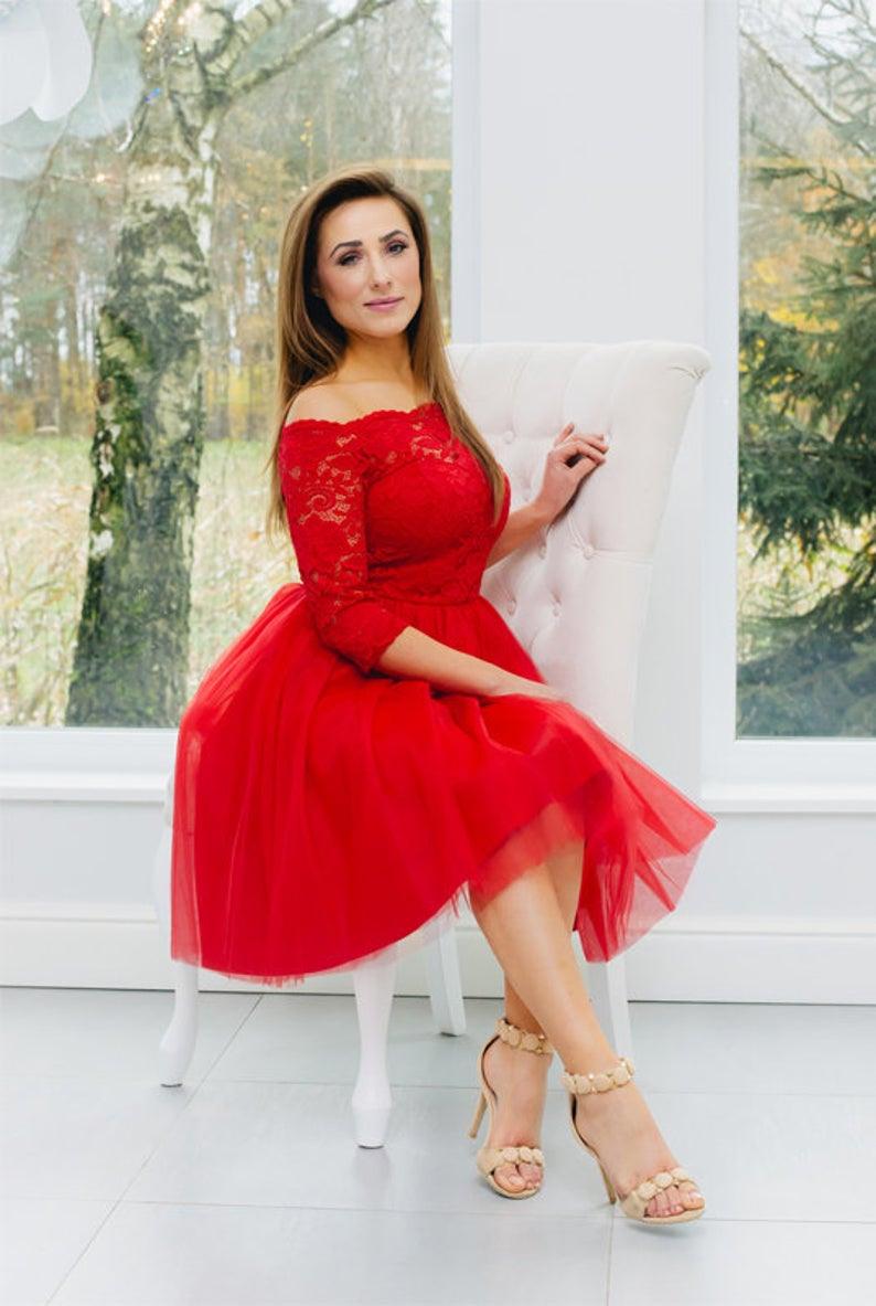 Spitzenkleid, Brautkleid, Dekolleté, Offene Arme, Spitze, Tüll,  Romantisches Kleid, Rotes Kleid, Zum Geburtstag Lakey