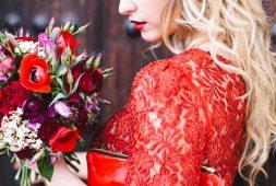 rote-kleider-zur-hochzeit