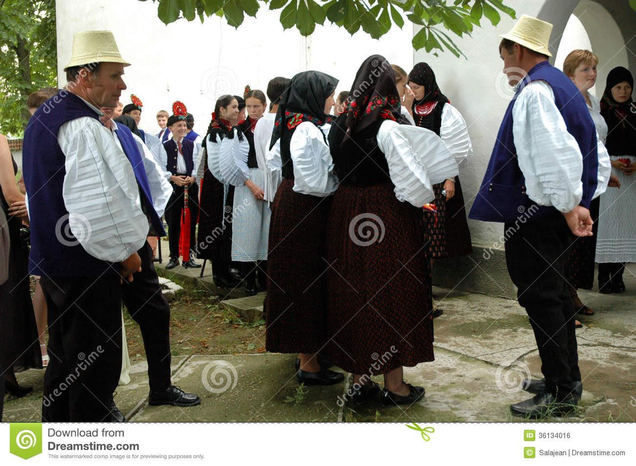 Traditionelle Ungarische Hochzeit Redaktionelles Foto - Bild