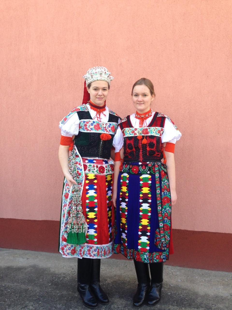 Ungarische Trachten Aus Transilvanien – International Wardrobe