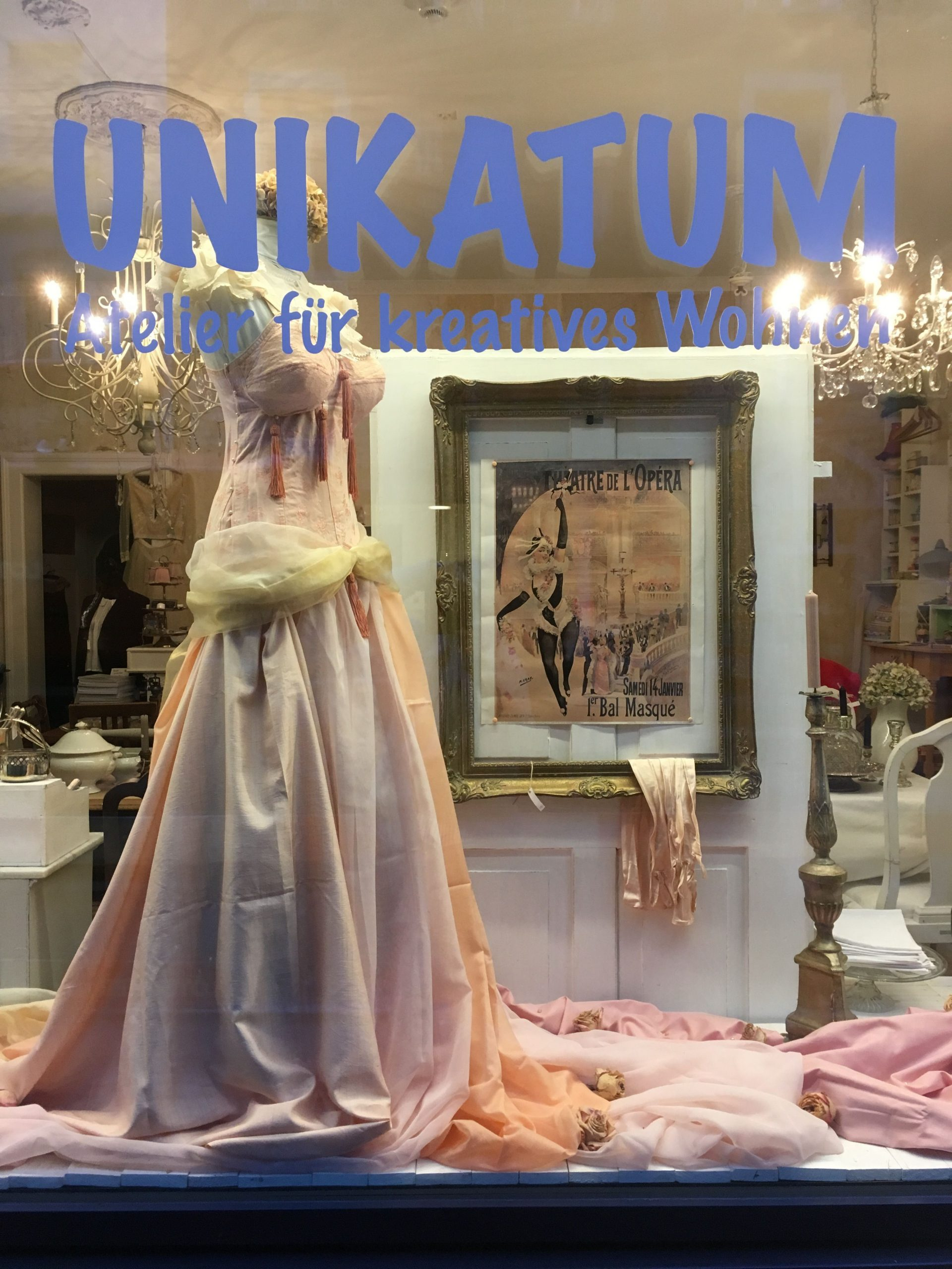 Unikatum Vintage Laden In Luzern: Schaufenster Februar 2018