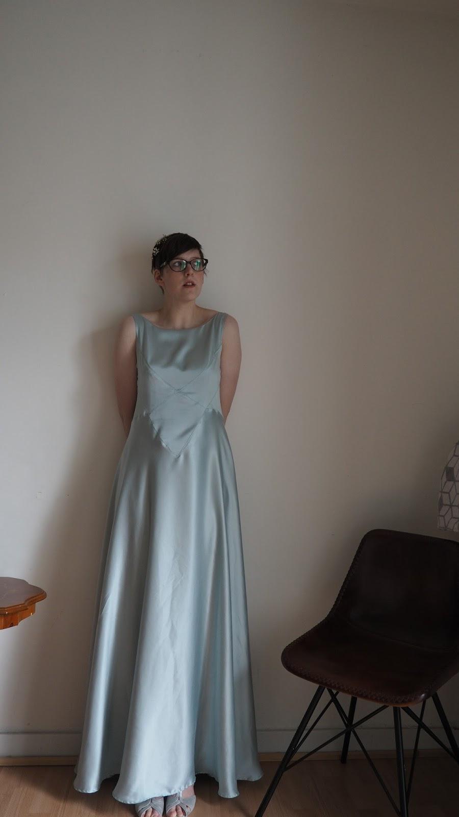 Verstecktes Pfefferminz: Ein Kleid Für Eine Hochzeit (Teil 3)