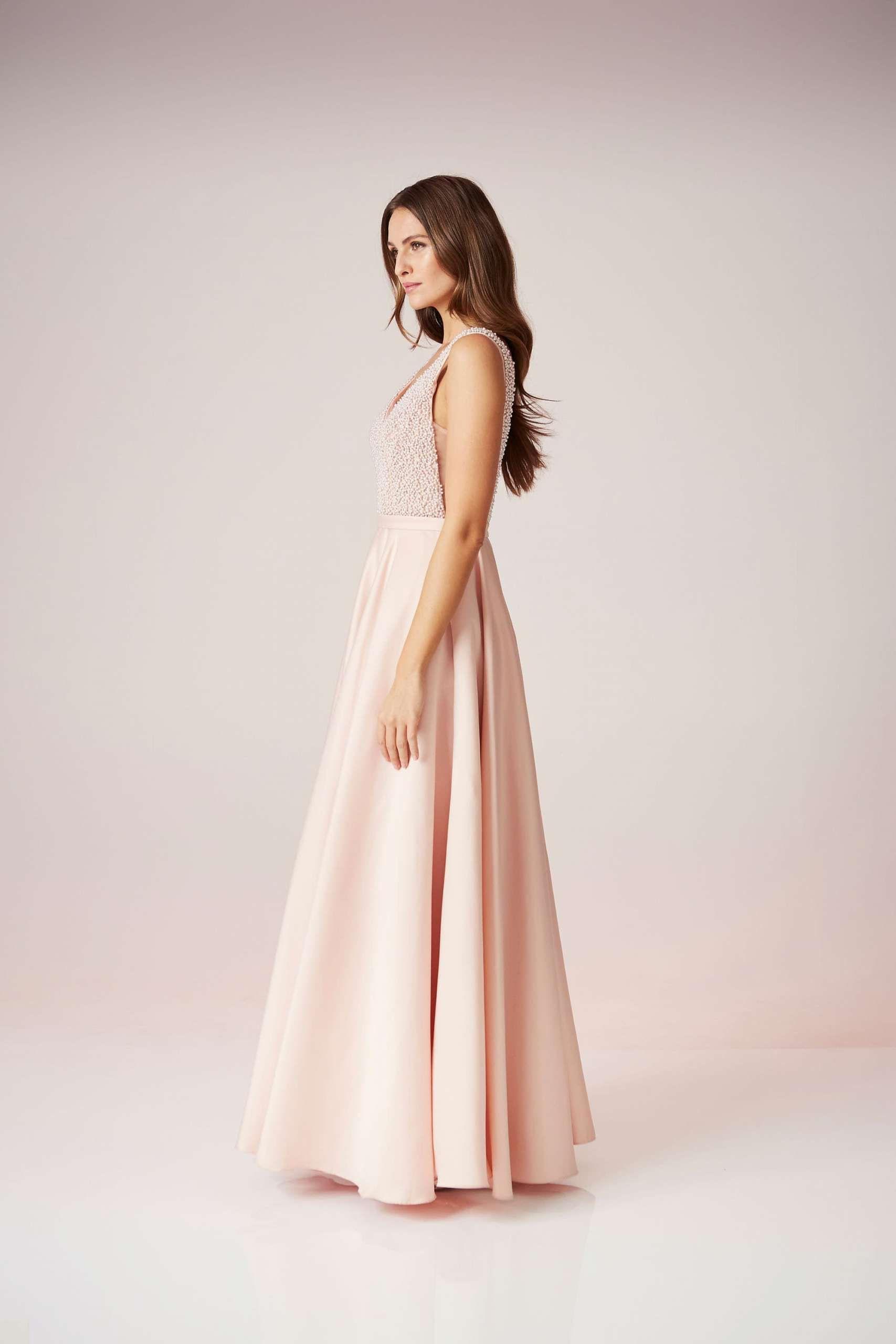 Was Für Ein Kleid! Das Abendkleid Von Unique Verzaubert Auf
