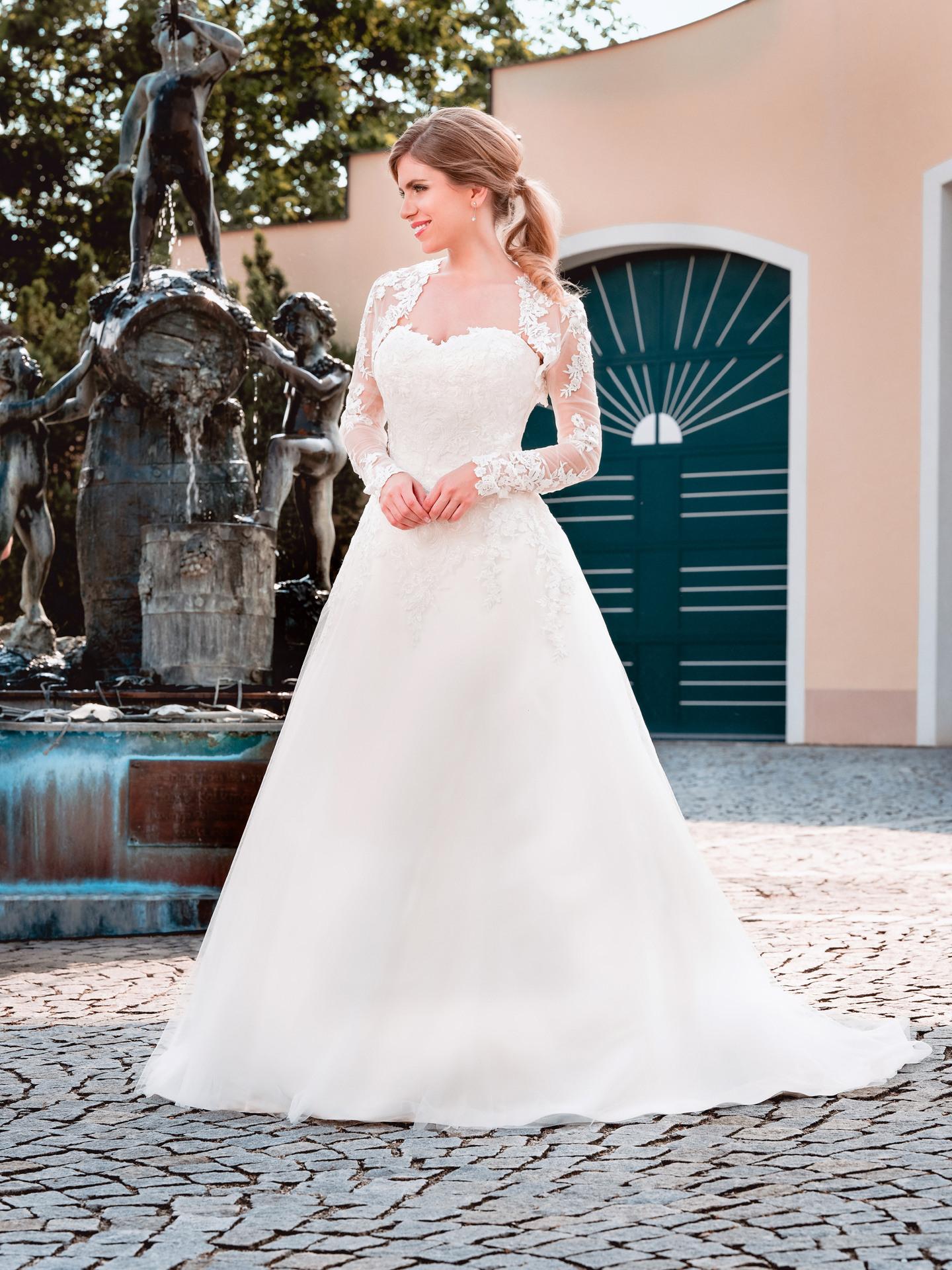 Was Kostet Ein Brautkleid - Bösckens Erklärt Es Ganz Genau.
