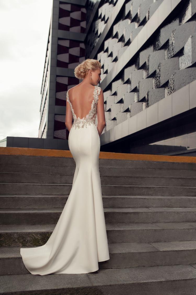Wer Das Brautkleid Rückenfrei Tragen Möchte, Muss Folgendes