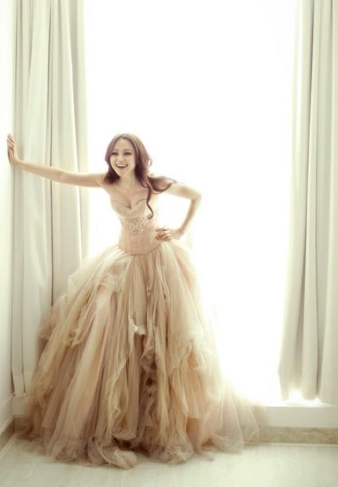 100 Einzigartige Modelle Champagne Brautkleider