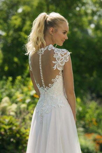 11020  Kleid Hochzeit Braut Brautkleid Schlicht