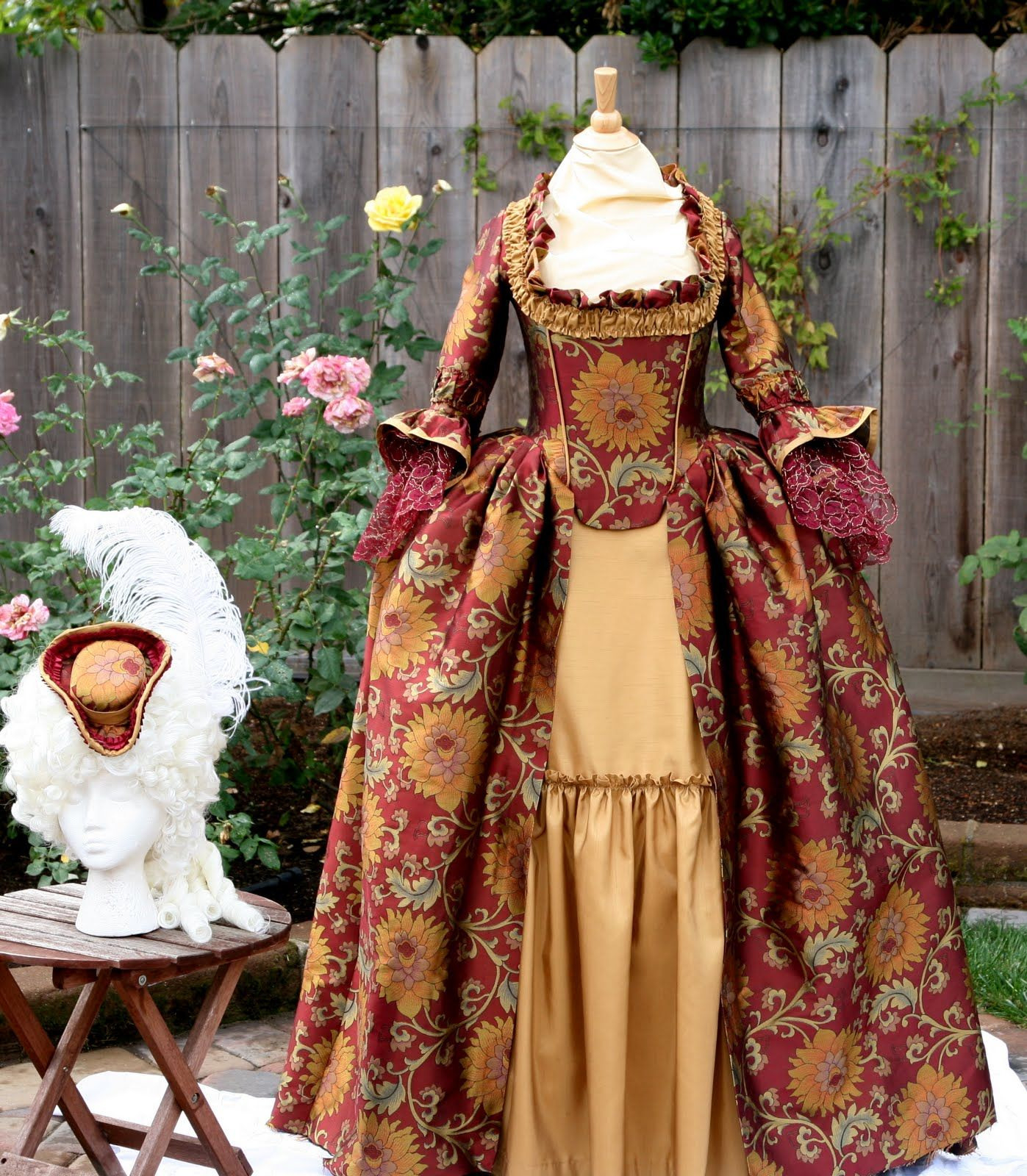 18Th Century Gown Those Flowers Are Nice With The Golden