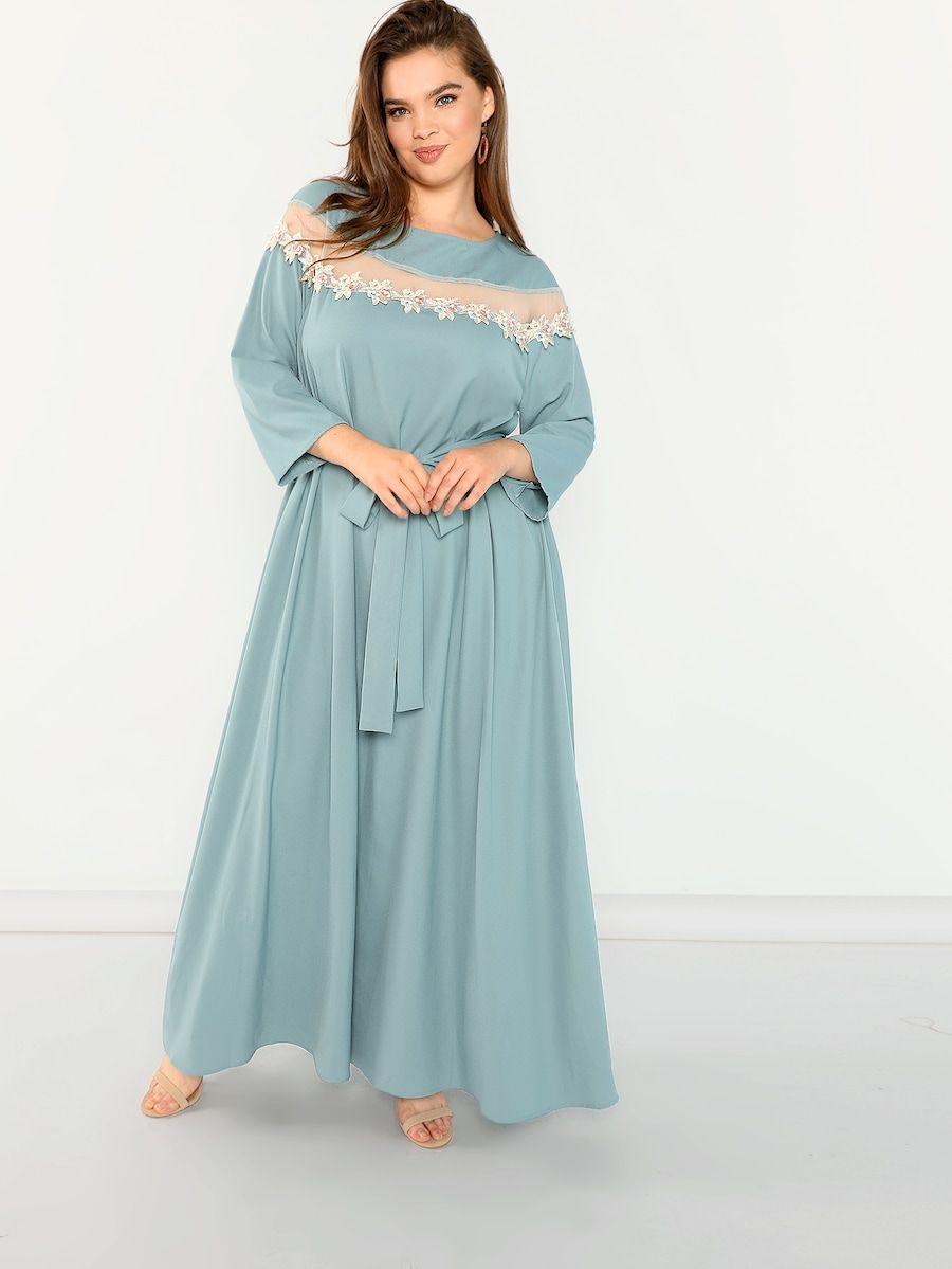22 Übergroßes Kleid Mit Netzstoff Und Applikation Detail