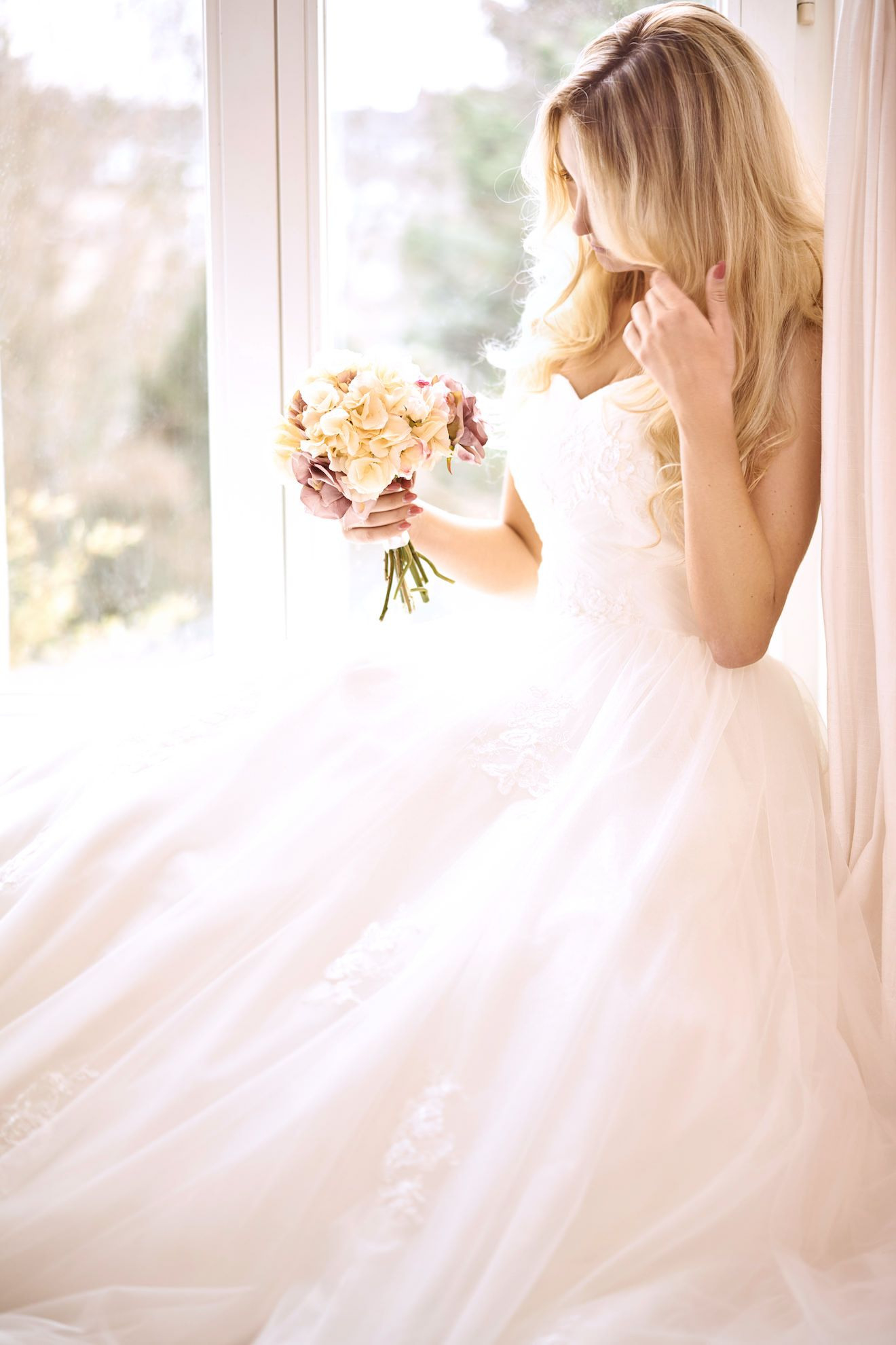 Aktuelle Kollektion  Finde Dein Hochzeitskleid In 2019