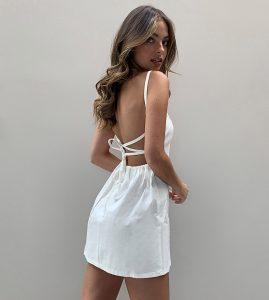 Asos Design Petite  Weiches Jeanskleid Mit Trägern In Weiß