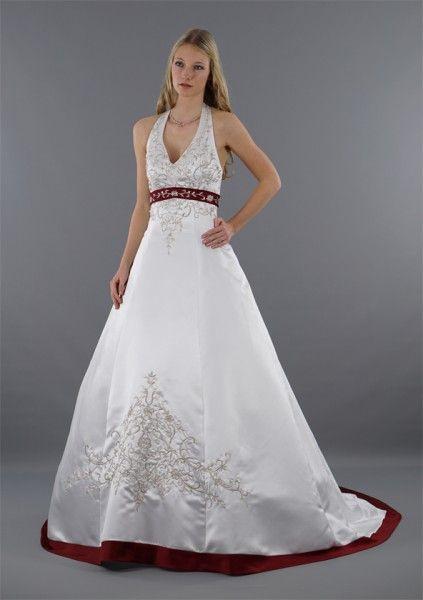 Ausgefallenes Brautkleid In Der Kombination Weiß