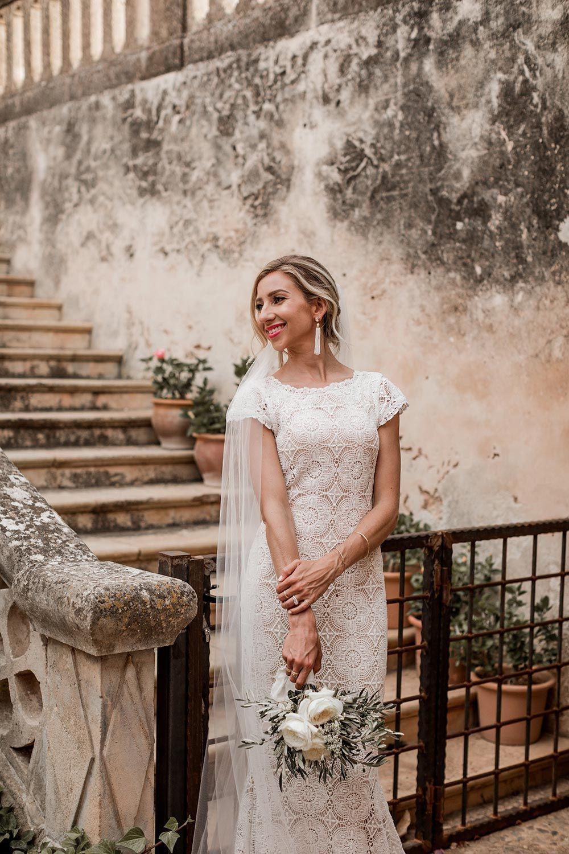 Böhmisches Hochzeitskleid Mit Gestickter Spitze  Kleid