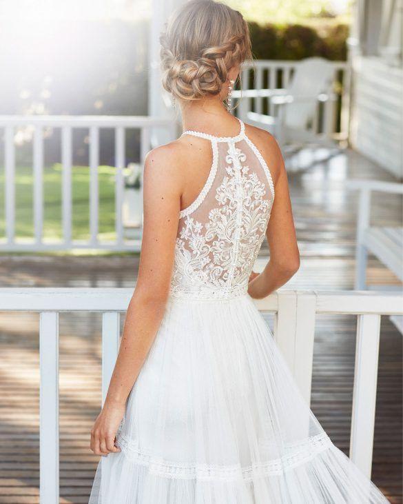 Boho Brautkleid Mit Blätterspitze In 2020  Kleid Hochzeit