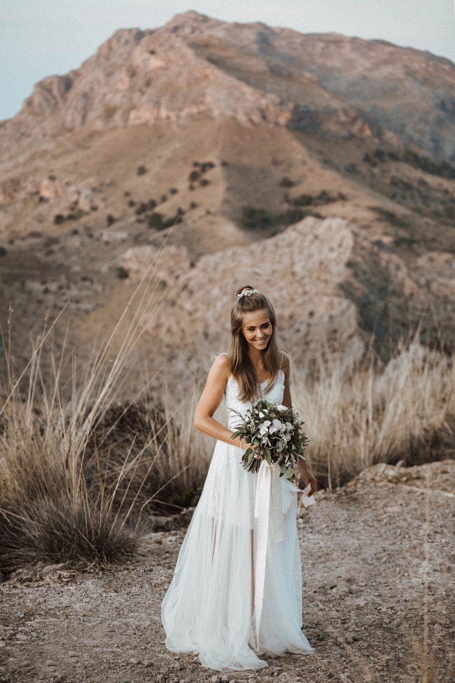 Boho Liebe Auf Mallorca  Boho Hochzeit Brautfrisuren