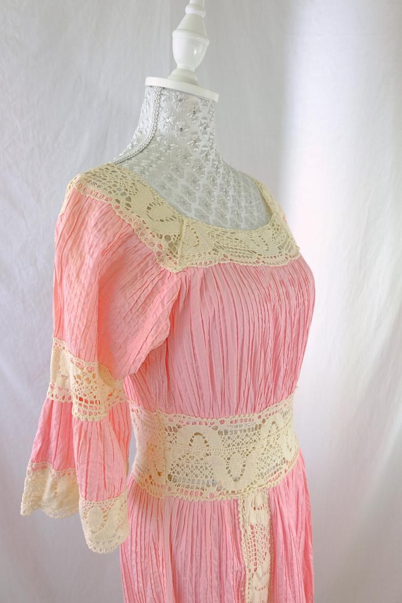 Boho Spitze Kleid Pastell Rosa / 70Er Jahre Vintage Glocke
