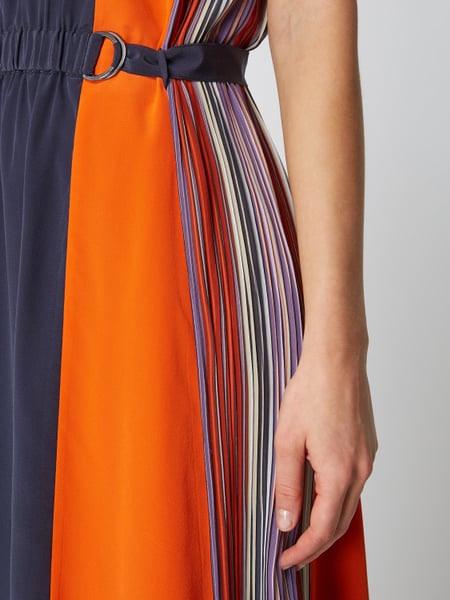 Boss Casualwear Kleid Aus Seide Mit Plisseefalten Modell
