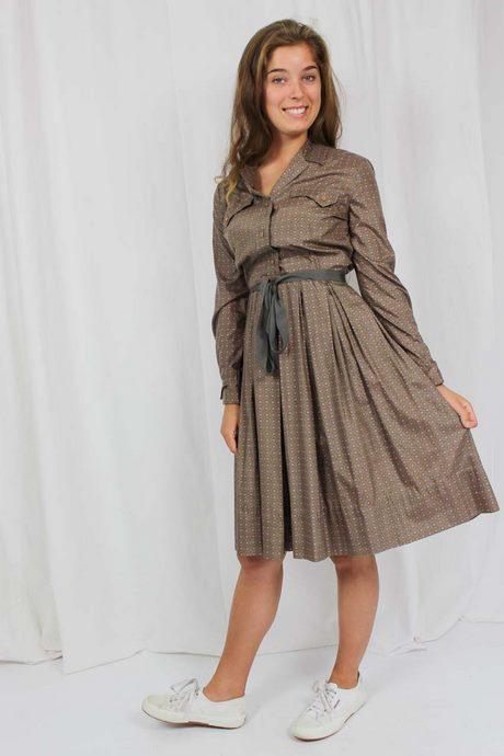 Braunes Langarm Kleid