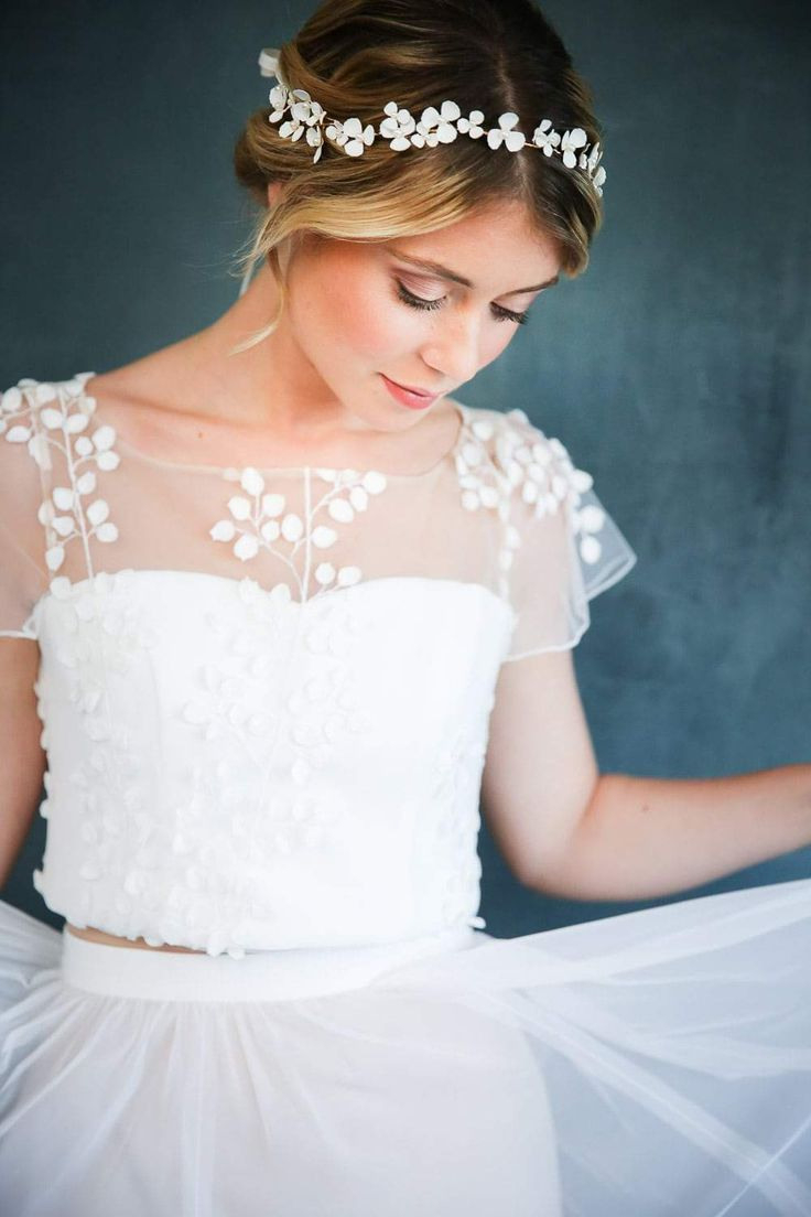 Braut Diadem Haarband Mit Weißen Blüten Und Schmuckperlen