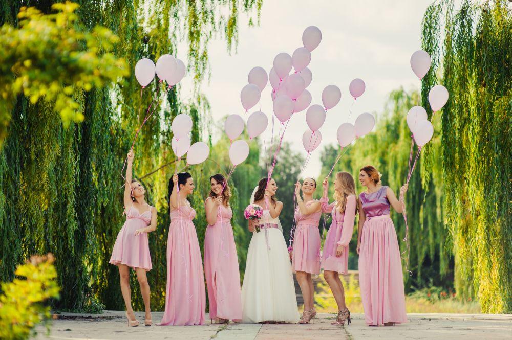 Brautjungfern Als Treue Begleitung Der Braut  Hochzeitde