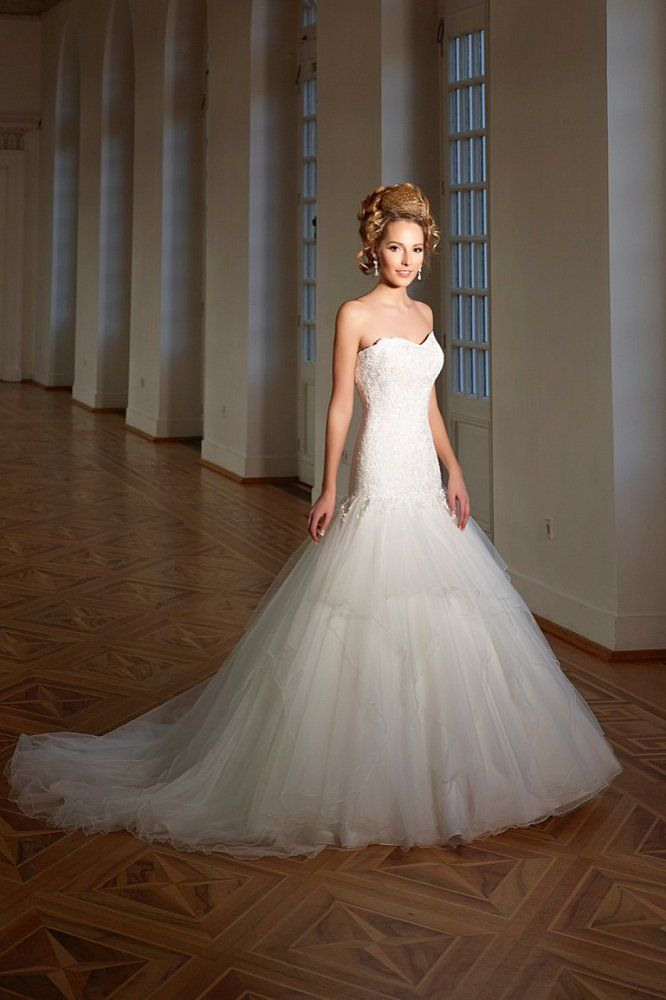 Brautkleid  9302  Brautkleid Braut Kleid Hochzeit