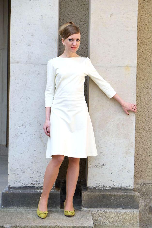 Brautkleid Amelia Cremeweiß  Kleider Brautkleid Kleidchen