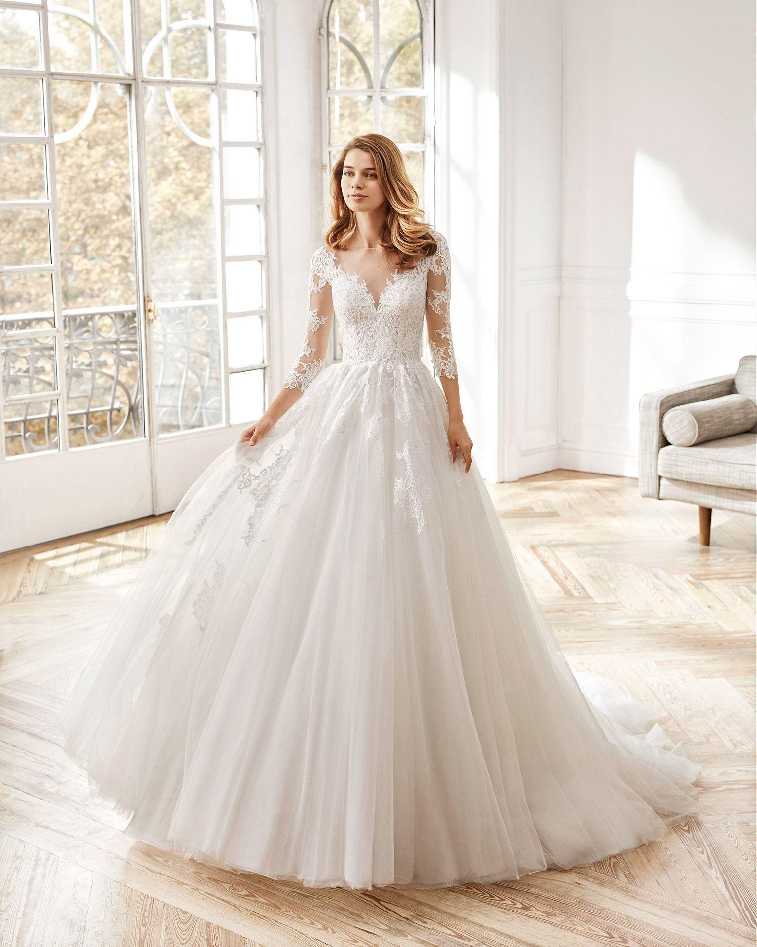 Brautkleid Im Princessstil Aus Tüll Und Spitze In 2020