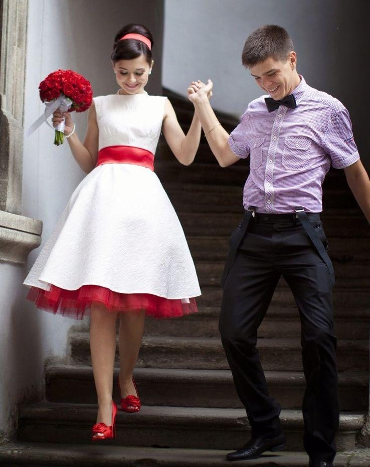Brautkleid In Rot  Bedeutung Der Farbe Und Tipps Für