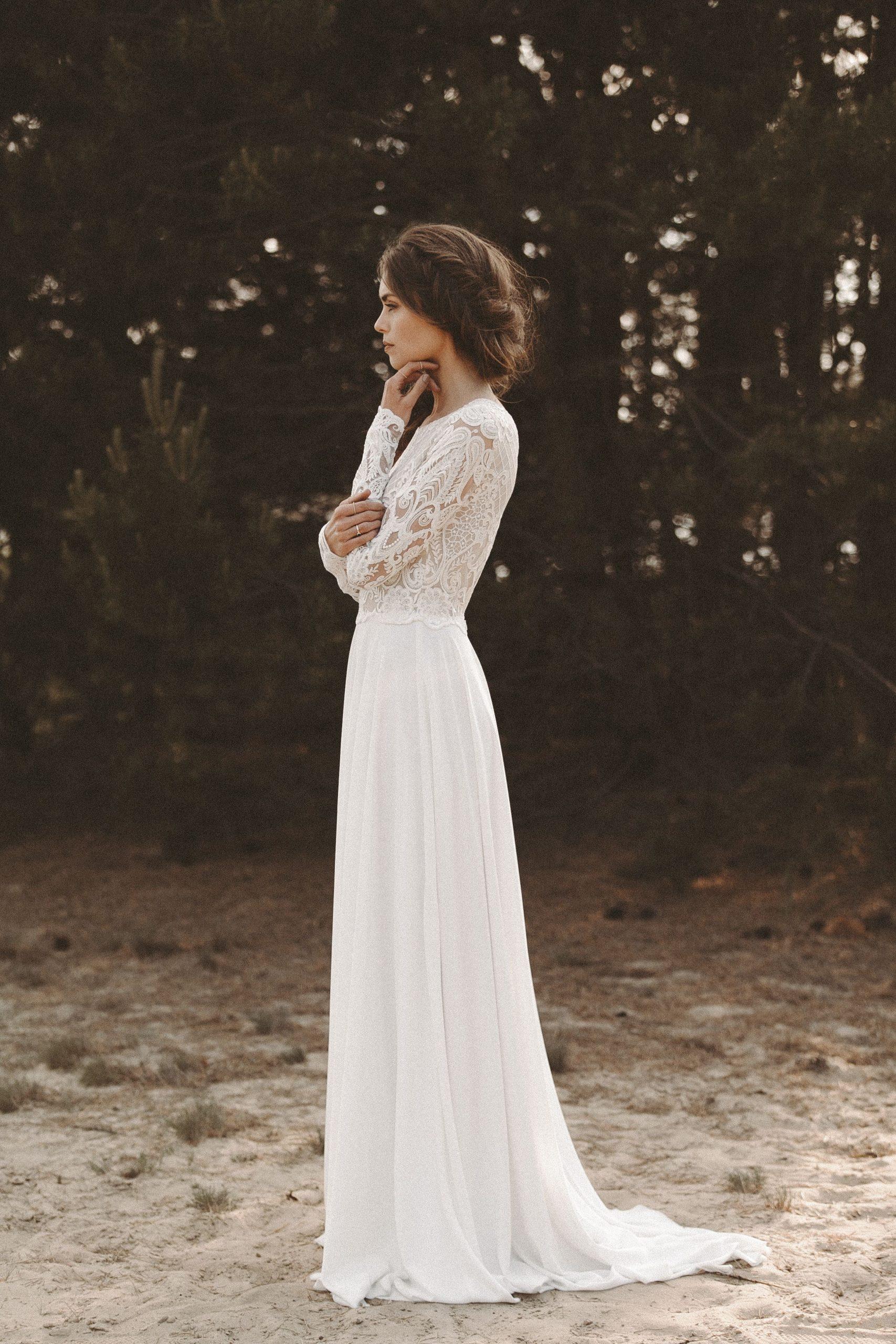 Brautkleid Lange Spitzenärmel Rückenausschnitt Boho